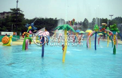 Outdoor Fiberglass Aqua Park Equipment Rainning Leaves for Summer Entertainment , Customized